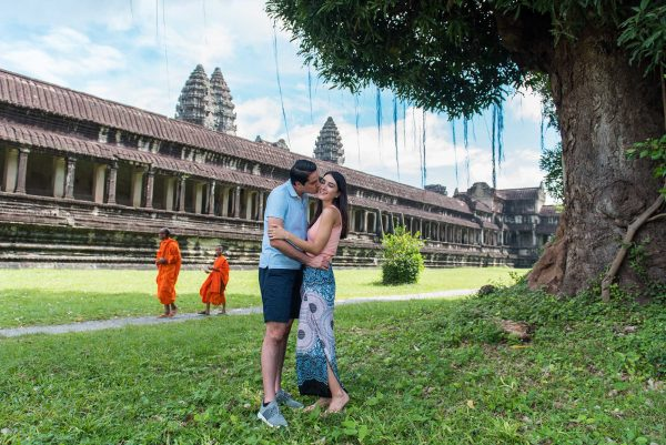 couple photography in angkor wat