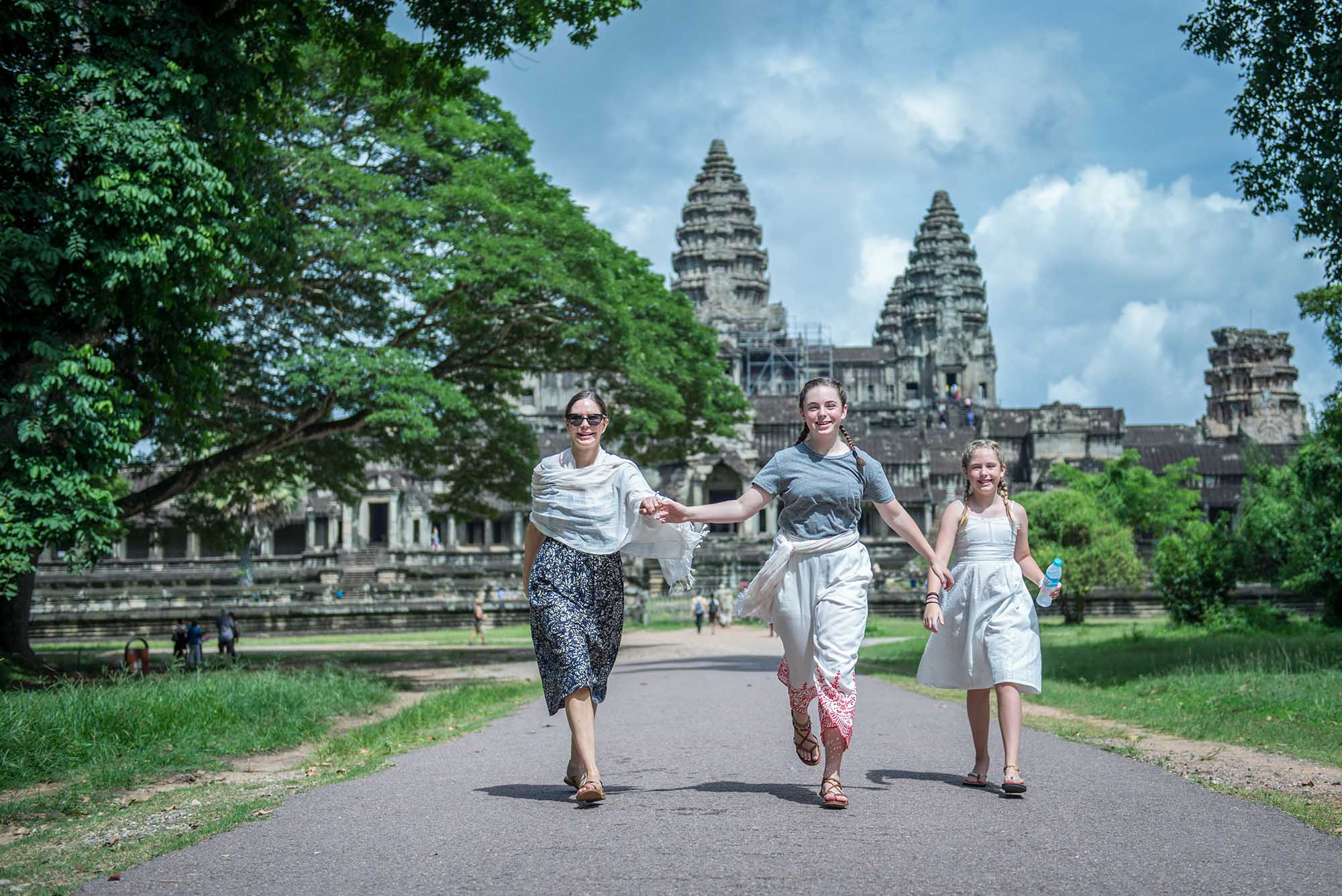 family photographer in siem reap