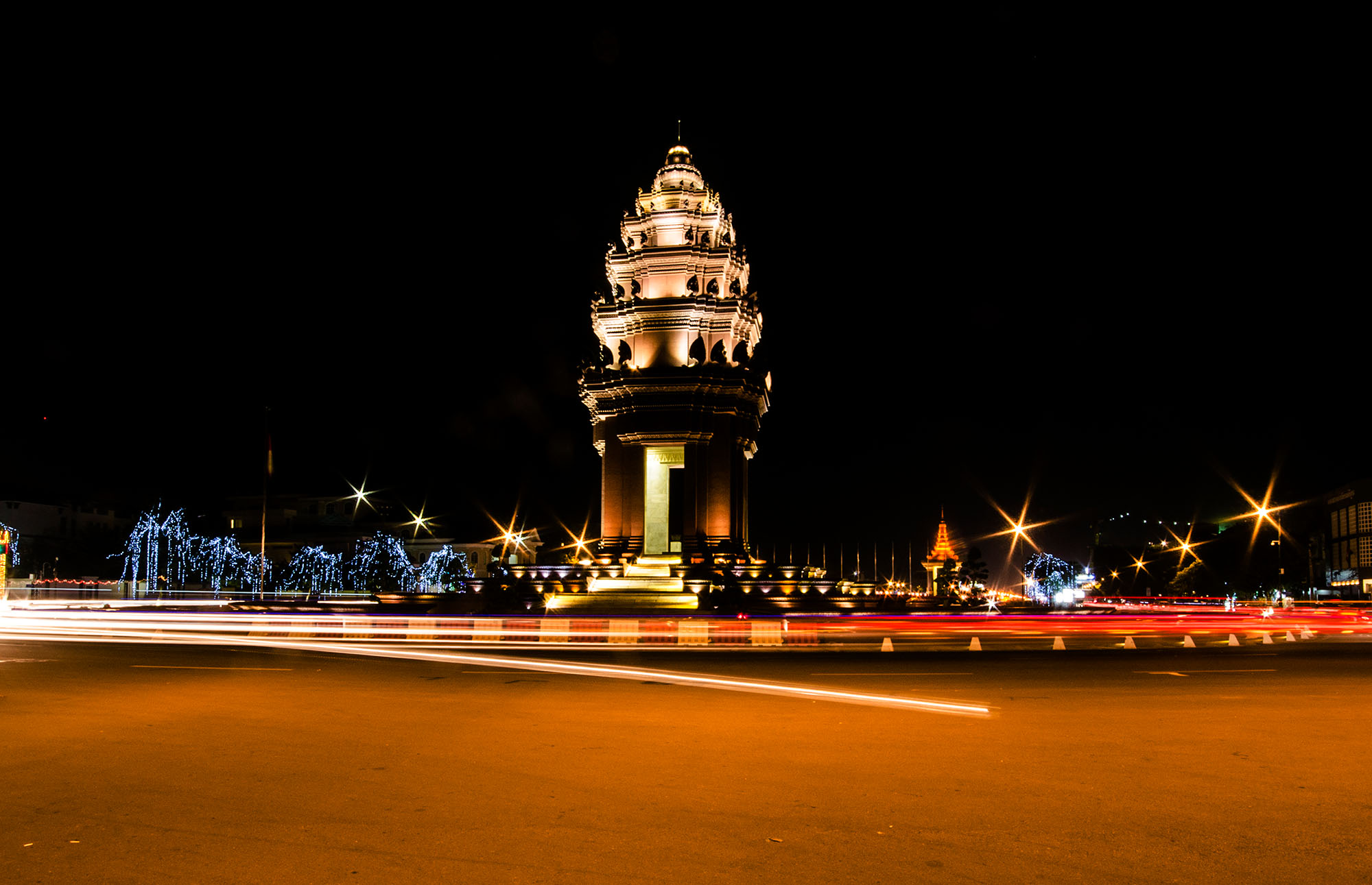Cambodia Independence Monument - Phnom Penh Attraction
